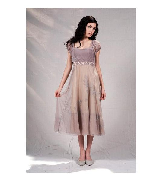 Vintage style dresses for Halloween parties