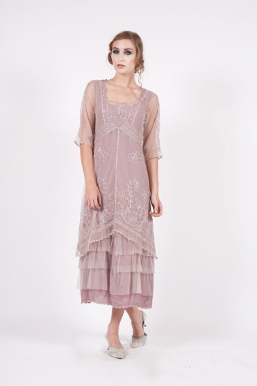 Best Occasions for Sheer-Sleeved Dresses
